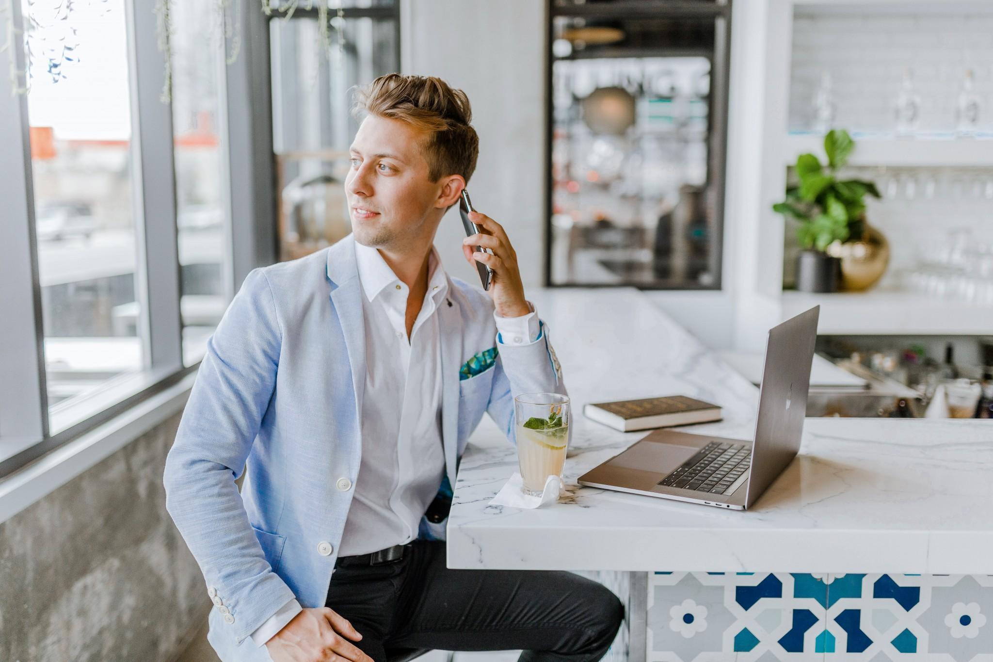Jak zostać agentem nieruchomości pośrednikiem brokerem